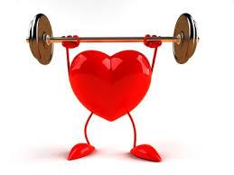 corazon levantando pesas